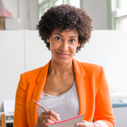 2 portrait of young businesswoman PCXJHSB